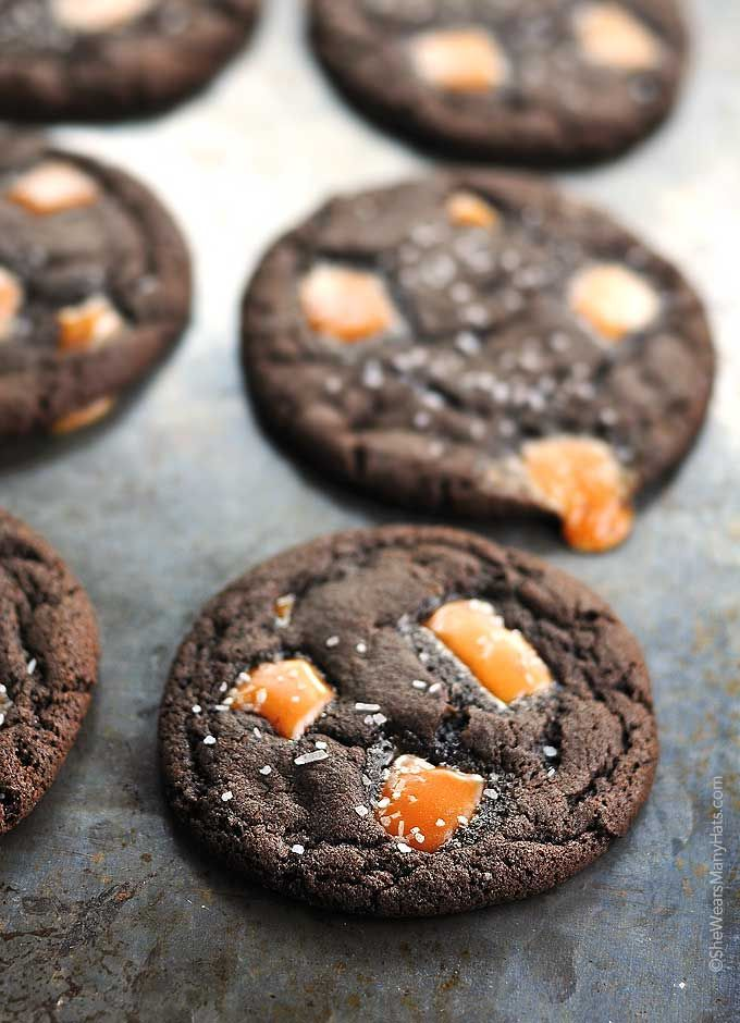 These Dark Chocolate Salted Caramel Cookies Recipe are quite possibly the perfect cookie for the chocolate and caramel fans out there!