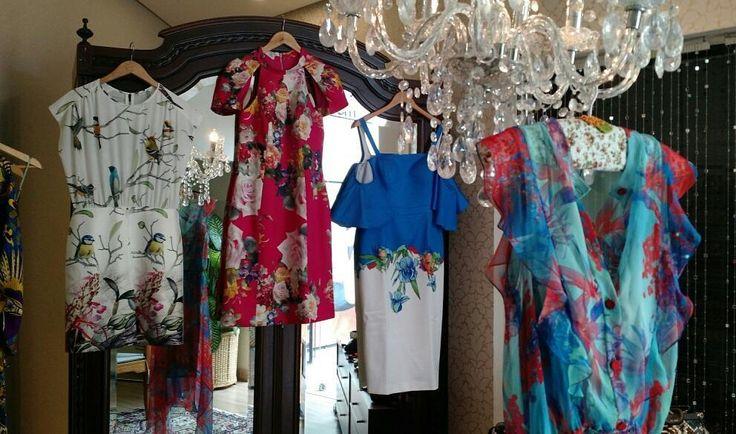 A loja está charmosa e cheia de vestidos lindos te esperando novidades e variados tamanhos com modelagens maravilhosas! Vestidos Maracuja exclusivos e novinhos.  Www.malumodas.com  #fretegratis #imperdivel #modafesta #festa #casamento  #vestido #verao #look #ootd #armariocapsula #colecaocapsula #moda #elegante #modafesta #cores #estampas #mixdeestampas #campinas #modacampinas http://ift.tt/29Ss7Qh #moda #campinas #grife #modabrasileira