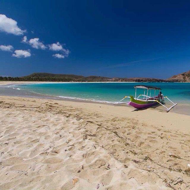 Gili Meno paradise island Www.javasbeauty.com