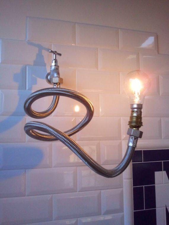 Applique murale design et originale en robinet