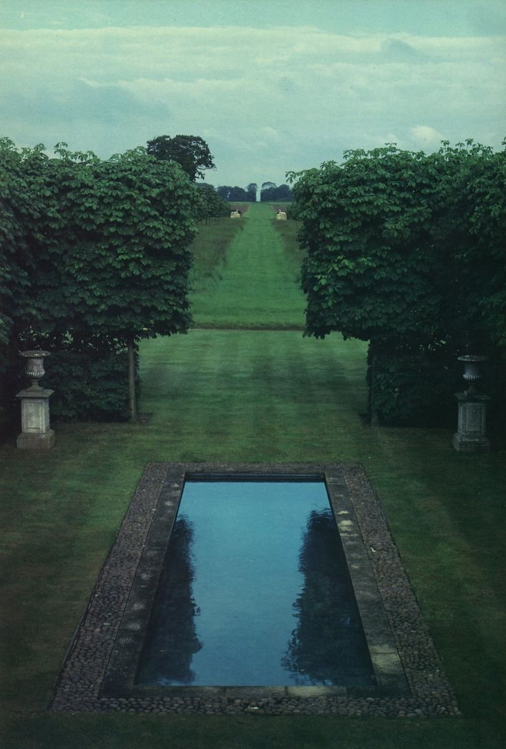 pools  http://www.markdsikes.com/2012/06/24/pools-sunday-book-club/Lawns, Oxfordshire England, Interiors Design, Gardens, Beautiful Pools, David Hicks, Dreams Pools, English Countryside, Country Interiors