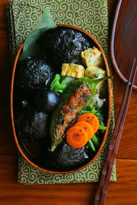 海苔巻きおにぎり弁当 | 日本の片隅で作る、とある日のお弁当