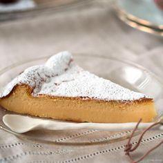 3 ingrediënten niet meer en niet minder heb je nodig om deze witte chocolade cheesecake te bakken. Luchtiger én lekkerder dan de original!
