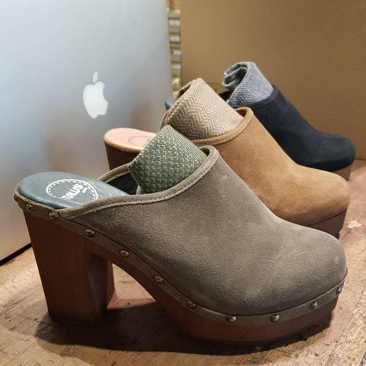 "55 Likes, 1 Comments - TUILUS Shoes (@tuilus) on Instagram: ""Alejandra con sus Zuecos Tarifa negros charol! 24 horas Ya disponibles en www.tuilus.com…"""