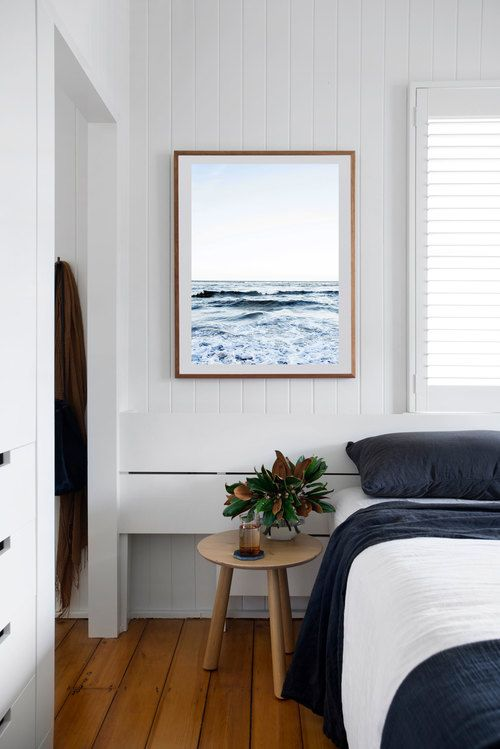 Beach art to brighten up the space / Desire to Inspire