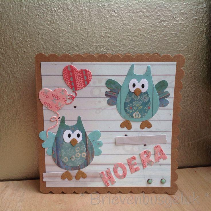 * Uilenkaart * Een vrolijke kaart met uiltjes! Gemaakt voor de challenge 114 van Marianne Design. Voor deze kaart heb ik bijna alleen maar stansmallen gebruikt. Die vande uiltjes, de letters, de ballon en ook de kerstboom (dit zijn de houten plankjes waar de uiltjes opzitten). Wil je de andere inzendingen voor de challenge bekijken? Kijk dan hier: http://mariannedesign.blogspot.nl/2014/10/challenge-114.html