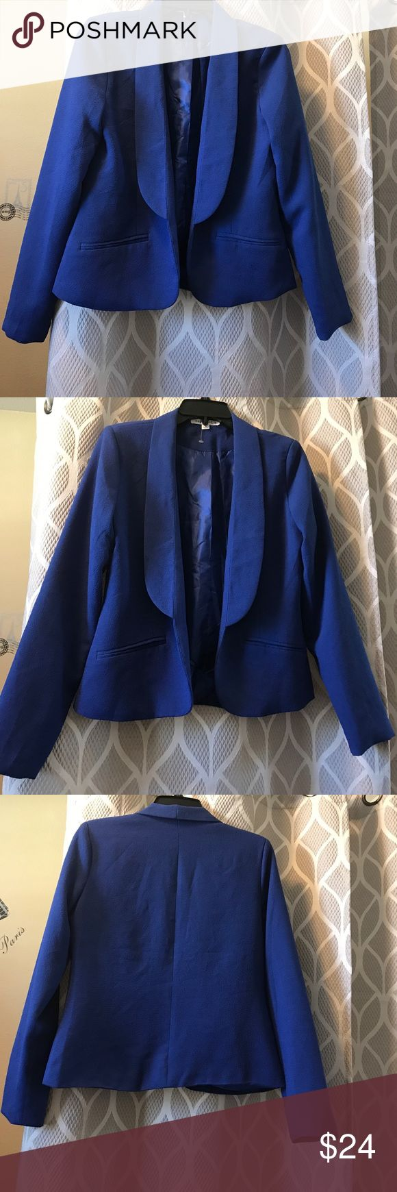 Beautiful Royal blue blazer New no tags royal blue blazer never worn Nordstrom Jackets & Coats Blazers