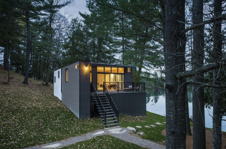 Cross-Laminated-Timber Cottage by Kariouk Associates (13)