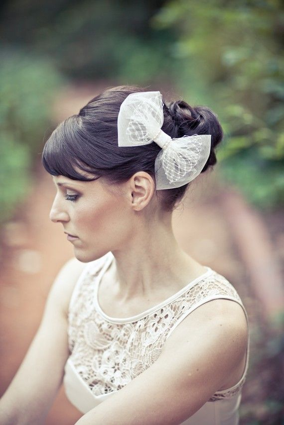White bow, nice idea for the bride