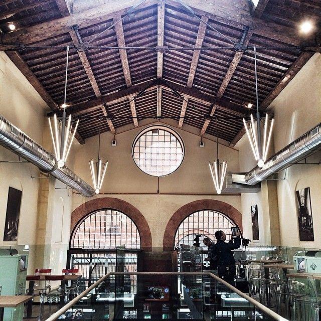 @silvia Vi diamo una piccola anteprima del Mercato di Mezzo di Bologna   #mybologna #twiperbole #bologna