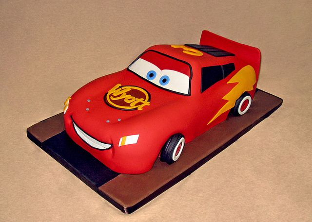 41 best Mcqueen cake images on Pinterest Car cakes Lightning