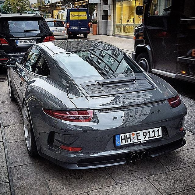 Porsche 911 R! Picture Credit: @porsche.sport.germany Follow our Partnerpage @trackspirit too! #porsche #911r #991 #gt3rs #911 #r #supercar #hypercar #passion #racing #porscheist #goodlife #hot #racecar #instacar #speed #gt3 #911legendsneverdie #beautiful #beauty #911lnd #hypercar #racing #991 #vintage #racingcar #vintage #lemans #legend #legendsneverdie Follow us on Facebook & Twitter, too! www.facebook.com/911legendsneverdie www.facebook.com/TrackSpirit.Magazin