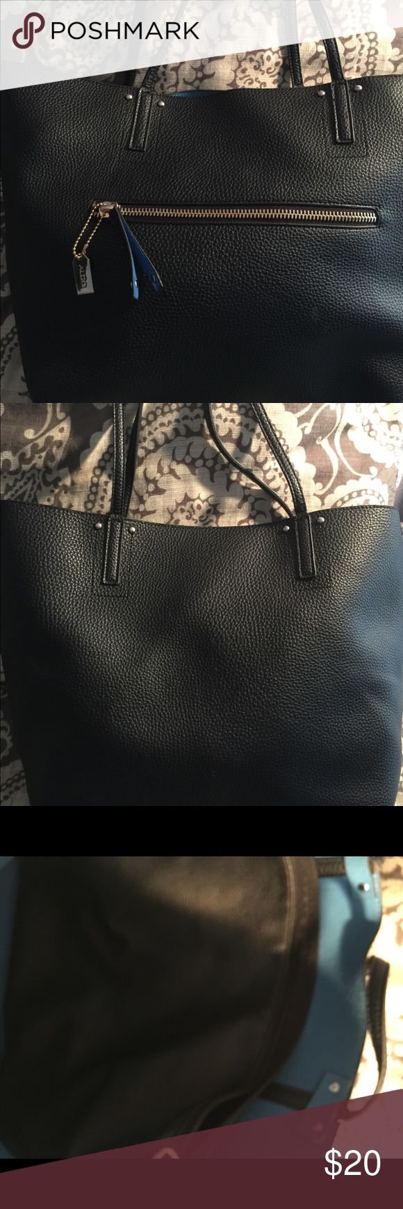 Aldo tote bag Nice back tote bag, used, has a little rip, can barely see it. Aldo Bags Totes