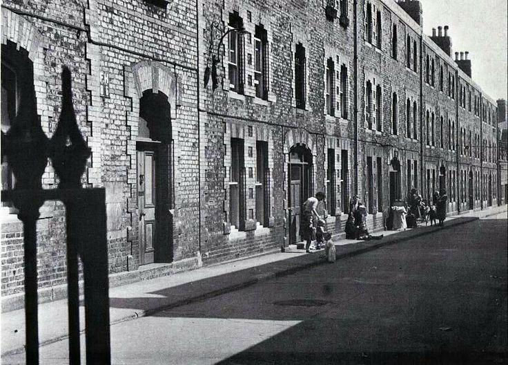 School Street, The Coombe