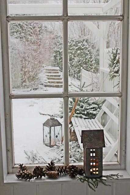 Weihnachtsstimmung in Haus und Garten. Kerzen, Teelichter und schöne Laternen gehören zu der Jahreszeit einfach dazu! So wird es schön kuschelig und die Winterstimmung kommt mit dem ersten Schnee so richtig auf.