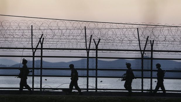 Hindi Gaurav उत्तर और दक्षिणी कोरिया के जहाजों ने की एक दूसरे पर गोलीबारी - See more at: http://www.hindigaurav.in/article.php?aid=17066#sthash.e8TnKWRe.dpuf