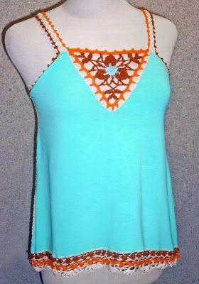 Blusa elaborada en modal verde agua y tejido a crochet en hilos de colores tabaco, verde agua, anaranjado y crudo, Talla M