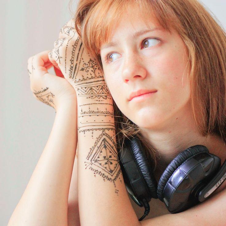 #henna #mehndi #mymehndiprague #headphones #ginger