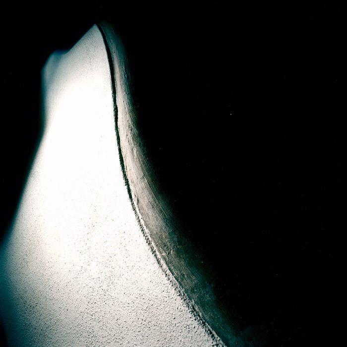 Particolare scorri mano vasca, lavorazione effetto scamosciato, 2004