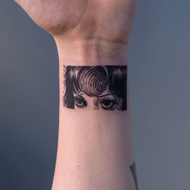 Thank You Littlebodybigheart Done At Goodlucktattoo: 25+ Best Ideas About Black Red Tattoo On Pinterest