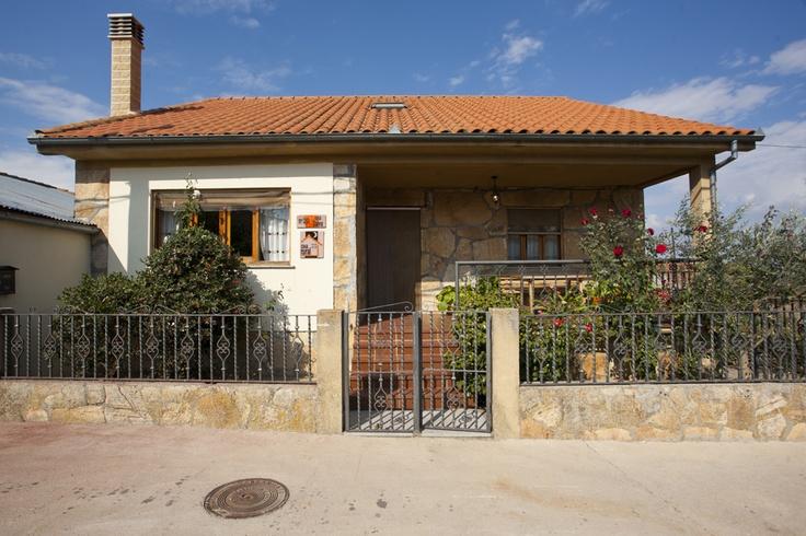 Casa rural Casa Salva, en #Salamanca. En el corazón de la #Sierra de #Francia, entre La #Alberca y la capital charra, entre #Bejar y #Ciudad #Rodrigo se encuentra este #alojamiento #rural con capacidad hasta 8 personas.