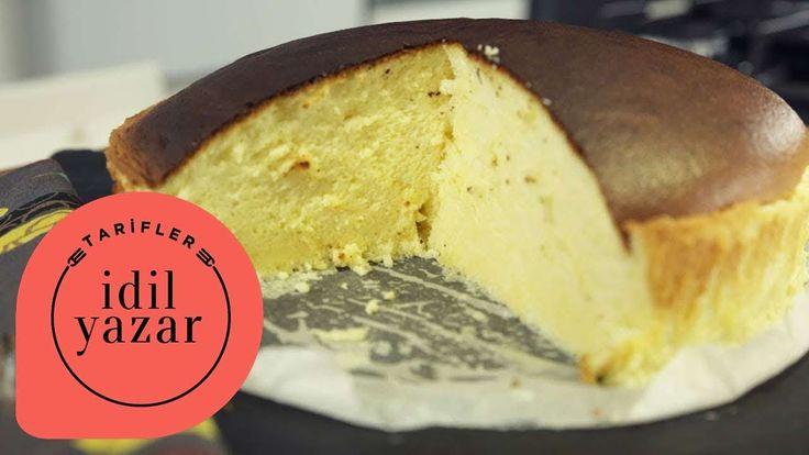 Puf puf kabaran yumuşacık bir cheesecake tarifi.Krem Peynirli Harç: 250 gram Beyaz Krem Peynir 6 adet Yumurta Sarısı 60 gram Toz Şeker 60 gram Tereyağı 100 ml Süt 1 yemek kaşığı Limon Suyu 2 yemek kaşığı Limon Kabuğu Rendesi 60 gram Kek Unu 20 gram Mısır Nişastası 1 çay kaşığı Tuz   Mereng: 6 adet Yumurta Beyazı 1 çay kaşığı Tuz 60 gram Toz Şeker