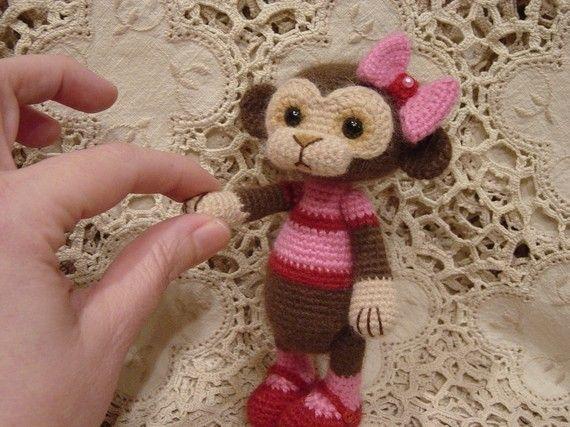 Amigurumi monkey: