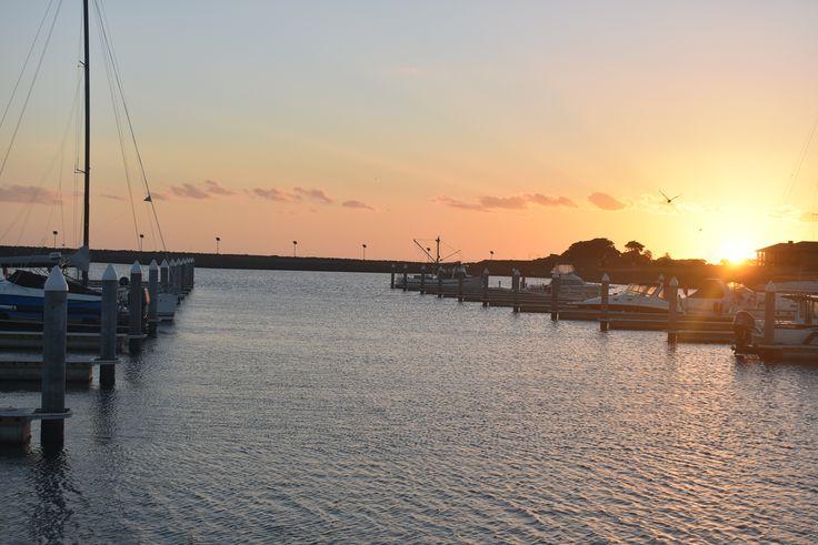 L1M1AP2 Sunset Landscape, standing, ISO 200, auto mode, WB auto, Image JPEG,  Used Nikon D3400