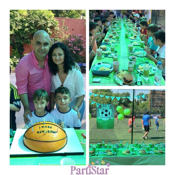 Brazillian Soccer School antrenörleriyle halı sahada Mustafa & Şevki'nin doğum gününü kutladık :) Happy Birthday Mustafa & Şevki! #parti #partistar #party #partistarr #partimalzemeleri #partisüsleri #kişiyeözelparti #doğumgünü #doğumgünüsüsleri #doğumgünüseti #football #soccer #futbol #halısaha #futbolteması #kidsparty #temaliparti #instaparty #partydetails #cocukpartisi #BSS