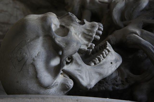 Zapiski Mazurskie: Śmierć i pogrzeb w obyczajowości współczesnego czł...