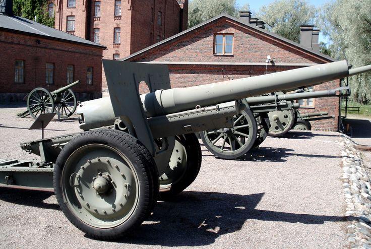https://upload.wikimedia.org/wikipedia/commons/2/2b/Schneider_120mm_mark_78-10-31_gun_2.jpg
