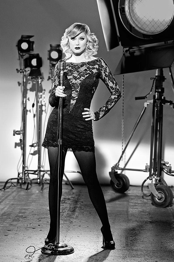 Hot Shots! More Sexy Photos of Grammy Winner Jennifer Nettles as Roxie Hart in Broadway's Chicago