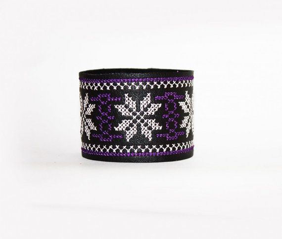 Ethnic Embroidered Leather Bracelet  Mauve by EtnoWareStore