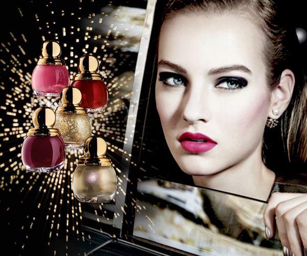 """Ο οίκος Dior δε σταματά ποτέ να μας καθηλώνει και να μας προκαλεί μία βαθιά επιθυμία καταναλωτισμού (το παραδεχόμαστε), εφόσον τα προϊόντα ομορφιάς που δημιουργεί είναι η ενσάρκωση κάθε beauty ονείρου μας, ειδικά όταν μιλάμε για τη νέα γιορτινή collection του οίκου, """"State of Gold"""".. http://pressmedoll.gr/h-magevtiki-esthisi-politelias-stin-giortini-make-up-collection-tou-dior/?utm_source=dlvr.it&utm_medium=twitter#sthash.kK94RPnU.dpuf"""