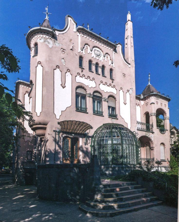 Budapest XIV. kerület | Sipeki Balás villa | főhomlokzat a különleges kéménymegoldással |