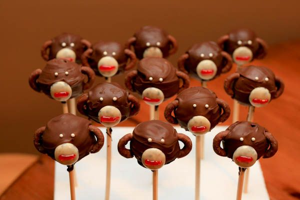 Izabel would like to make these this weekend...so I say we must!!