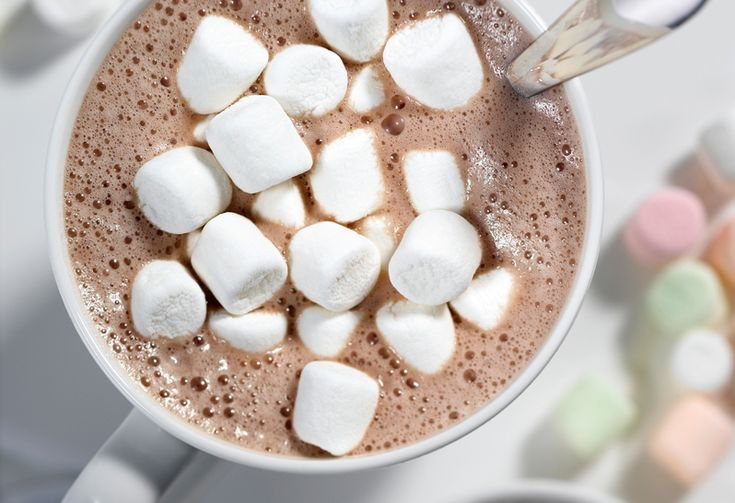 Fans of marshmallows will LOVE this twist on your favourite classic hot chocolate! Use a hot chocolate kcup for this recipe, or your favourite hot cocoa mix. #recipe #chocolate #marshmallows #drink #hotchocolate