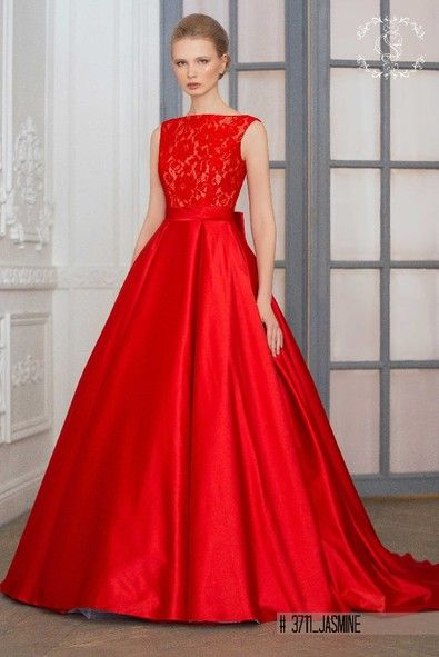 "Dare to wear red?Wedding dress ""Jasmine""-Extravagant choice for the future Bride to be."