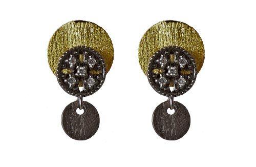 Til disse øreringe er der brugt følgende materialer:  1 par ørekroge, oxideret sterlingsølv med rund plade og krystaller 2 stk. mønter, oxideret sterlingsølv 6mm 2 stk. mønter, forgyldt sterlingsølv 10mm