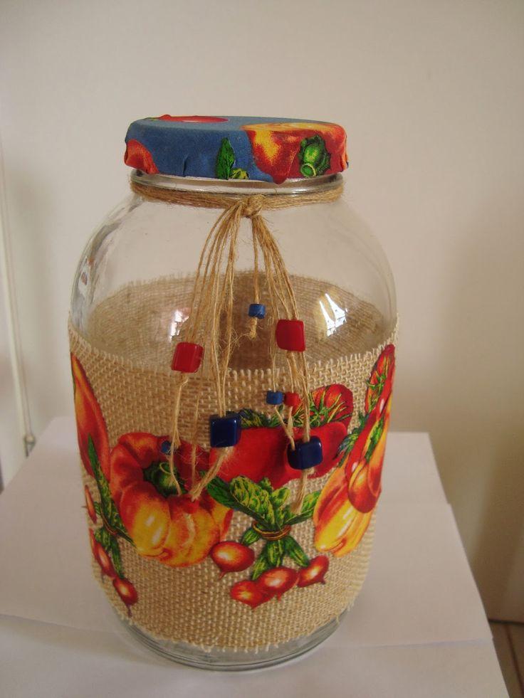 Rosa Luiza Artes e Gostosuras: Vidros de palmito decorado com recortes de revista e tecidos!