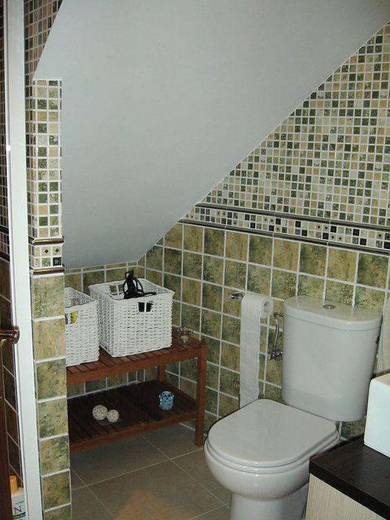 34 Bathroom Designs Under The Stairs Bano Bajo Escalera Cuartos