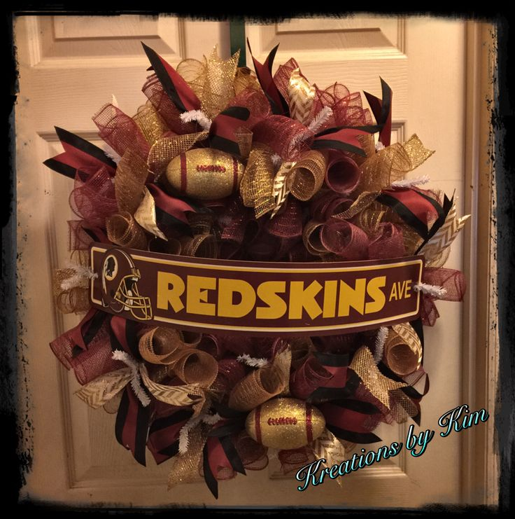 Deco mesh Redskins wreath