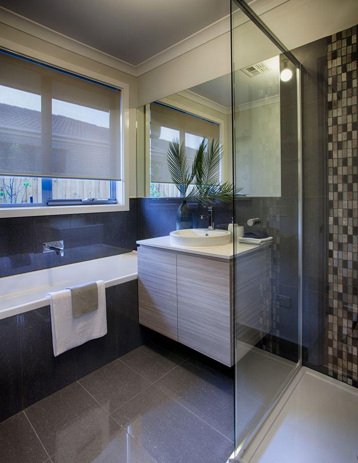 A darker bathroom idea. Mix of browns.