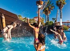 PortAventura è un parco divertimenti per famiglie situato nella cittadina balneare di Salou,