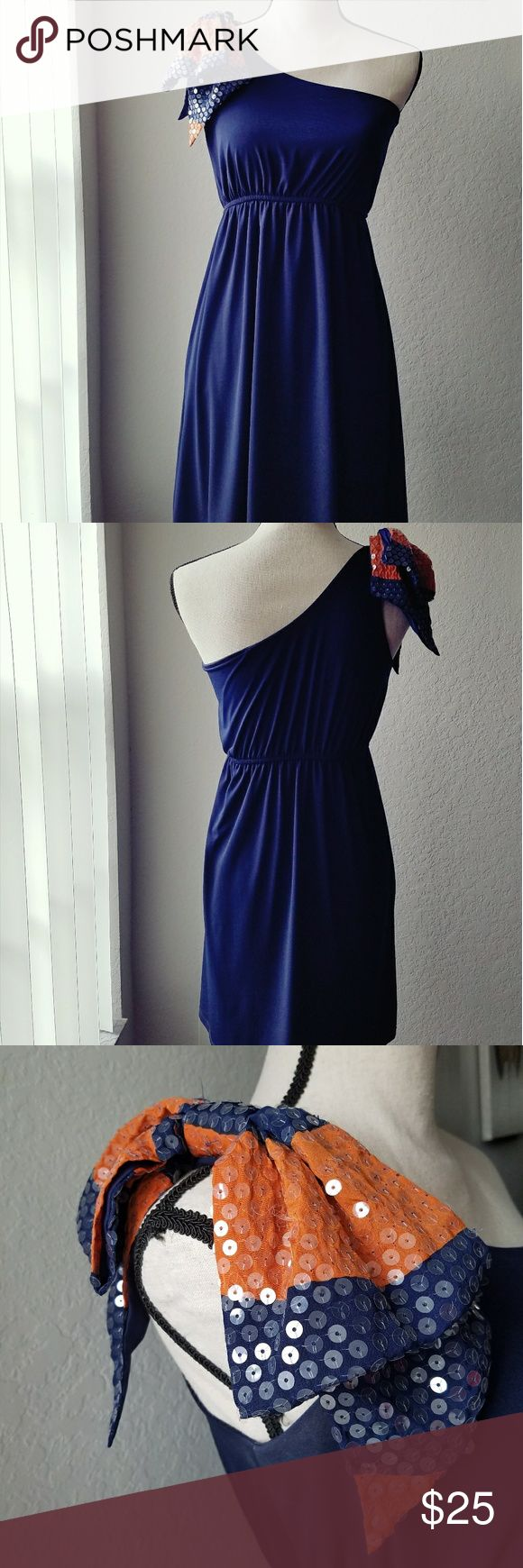 Judith March one shoulder bow dress A Judith March navy dress with a navy and orange sequin bow. Perfect for game day! Judith March Dresses One Shoulder