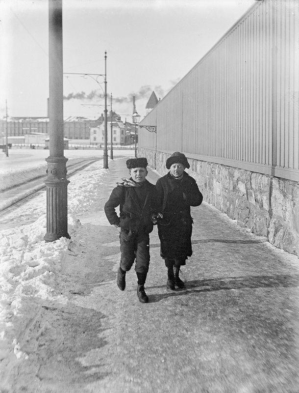 ca. 1900, Boys in Helsinki, Foto Gustaf Strandberg