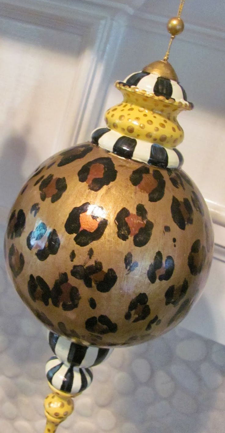 Hand Painted Large Leopard Animal Print Christmas Ornaments And Picture  Molding Christmas Trees