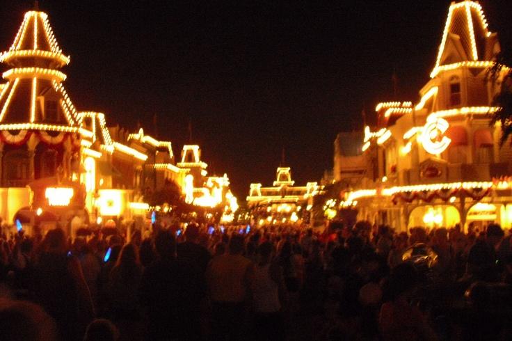 Main St Disney World at night