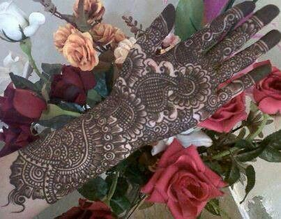 Oh wow its so beautiful mahendi design