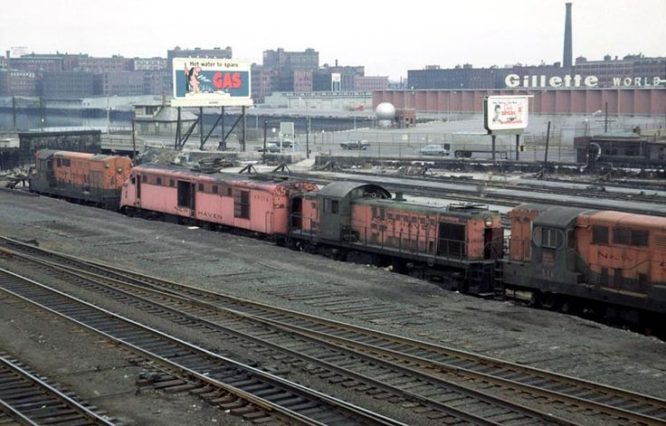 b m railroad on a gray day in 1964 an impressive yankee clipper 3 parlor cars a grill car. Black Bedroom Furniture Sets. Home Design Ideas